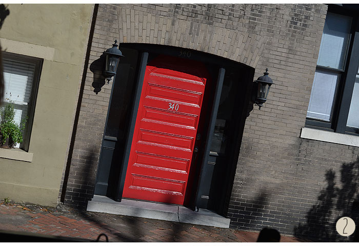 Savannah_red-doors