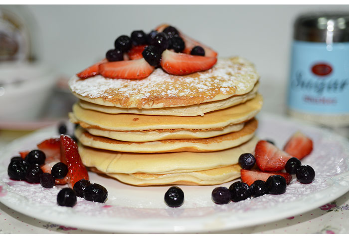 pancake_leite_condensado_frutas