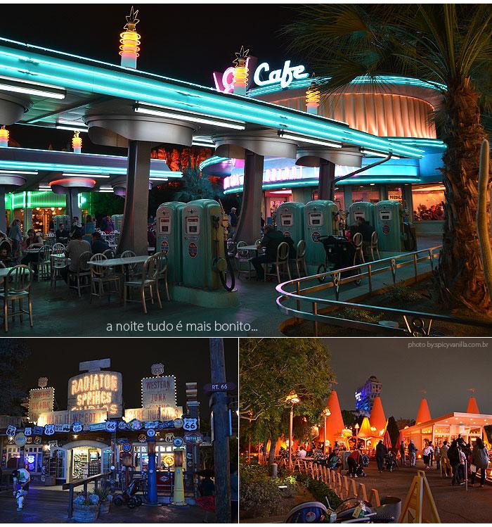 Disney_California_Adventure_Park_noite