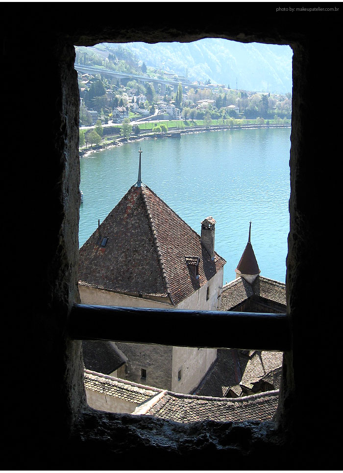 Chateau_Chillon_window