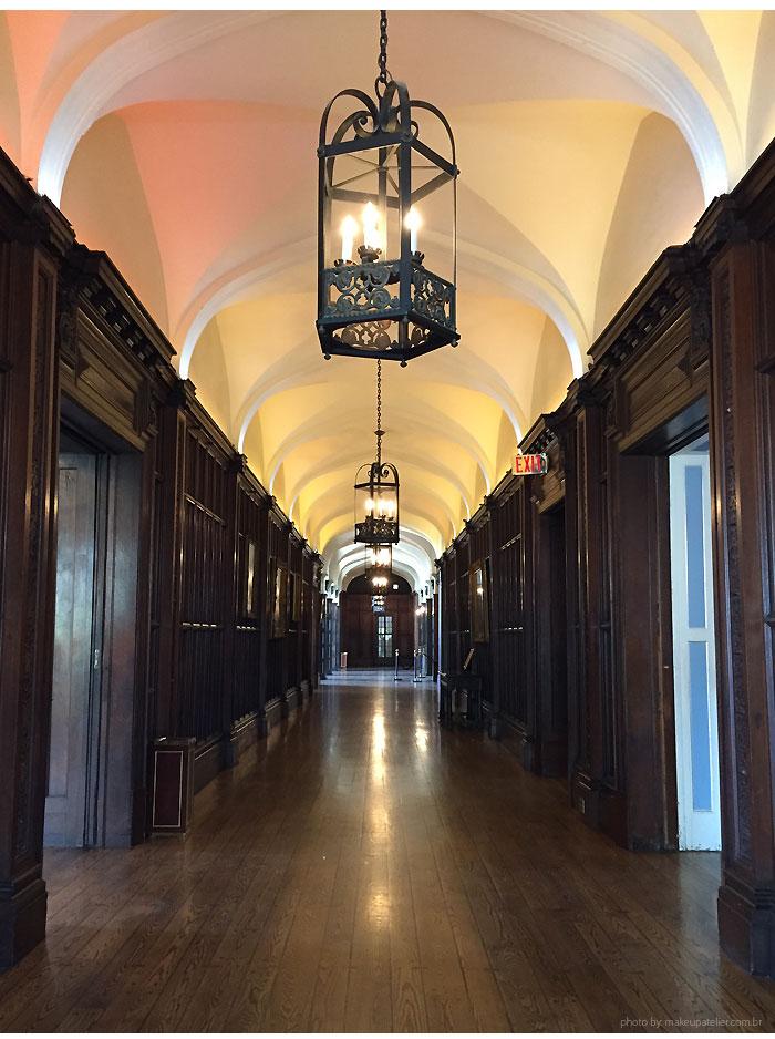 casa Loma toronto corredor