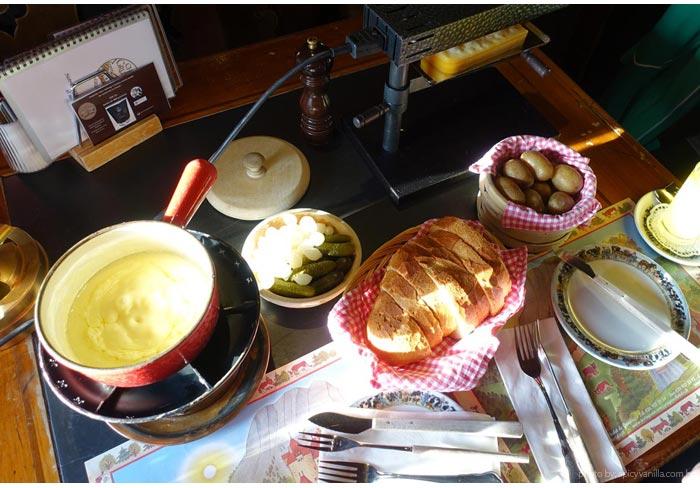 gruyere fondue - Gruyères de Trem | Um dia com queijos, chocolates e paisagens