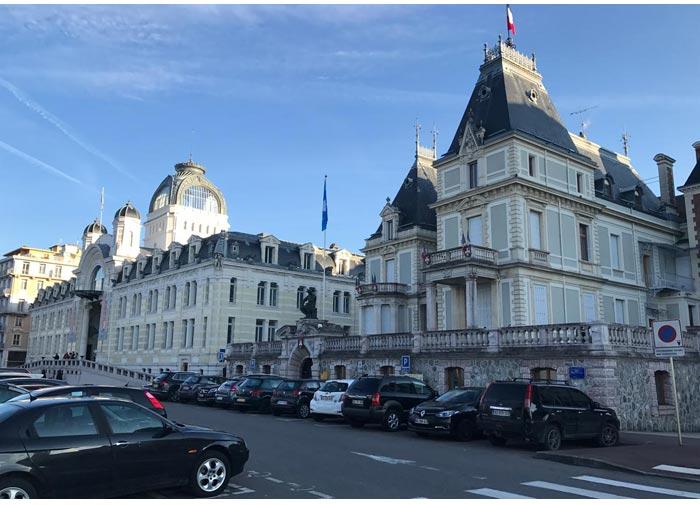 hotel Evian - Lausanne para Evian | Um bate e volta de barco entre Suiça e França