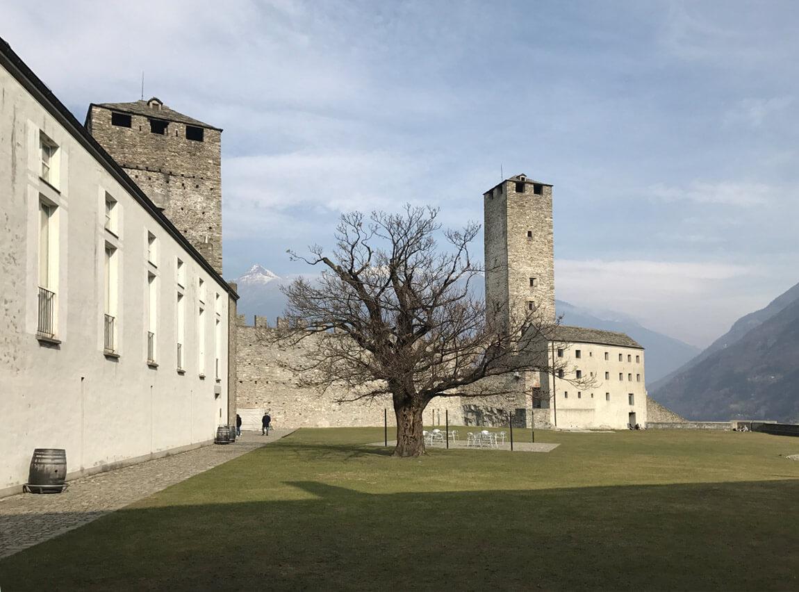 Suíça | Os castelos de Bellinzona e a viagem até Chur (Coira)