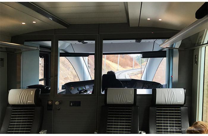 trem arosa chur viagem - Arosa Line | A viagem pelas montanhas nevadas de Chur até Arosa na Suíça