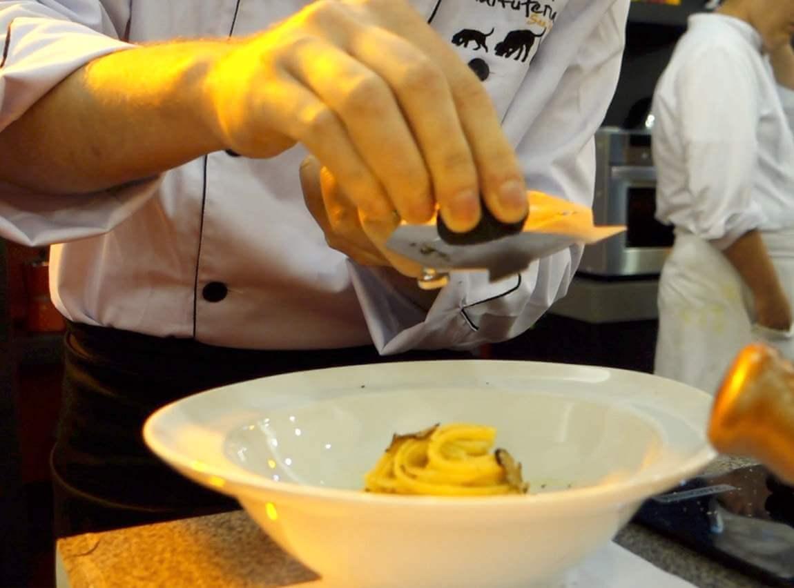 Gastronomia | Aula de risoto com o chef do Jamie's Italian e dicas sobre trufas com Tartuferia San Paolo