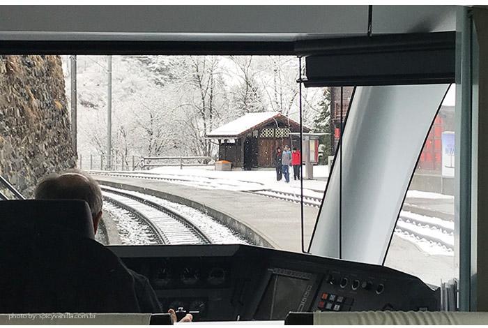 viagem de arosa ate cur - Arosa Line | A viagem pelas montanhas nevadas de Chur até Arosa na Suíça
